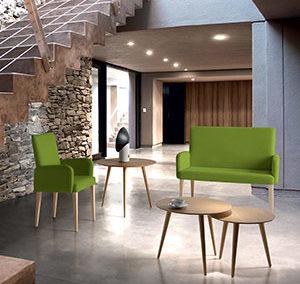 Mesa Vainilla, banco y sillón 557