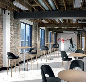 Mesa 288, silla y taburete Lunaria
