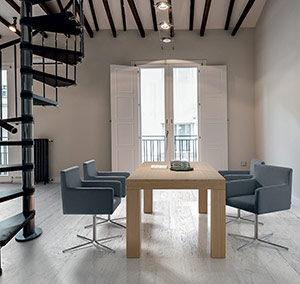 Mesa 248 y sillón Malva