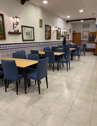 Mesas y Sillas lateral Restaurante El Puerto